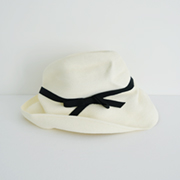 mature ha. BOXED HAT 101 white×black