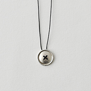 Toile SV950 Button Necklace BLACK