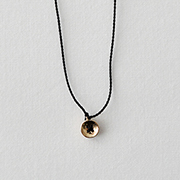 Toile K10YE Shirt Button Necklace BLACK